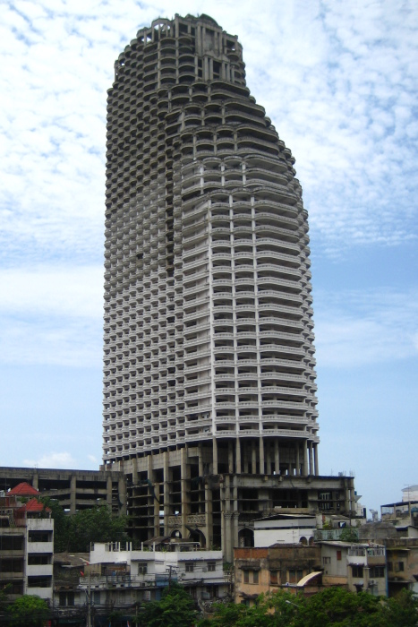 Башня Sathorn в Бангкоке, Таиланд. \ Фото: ru.m.wikipedia.org.