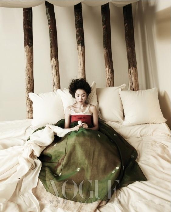Очаровательная корейская девушка. Фотосессия Vogue Корея.