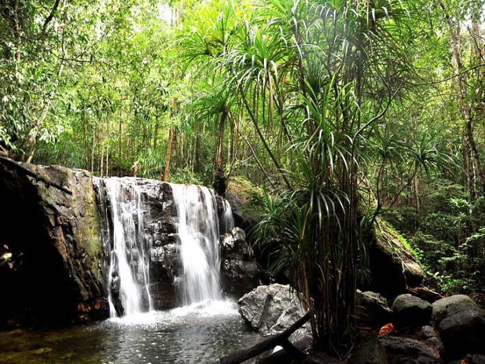 Водопад в государственном заказнике Фу-Куок.