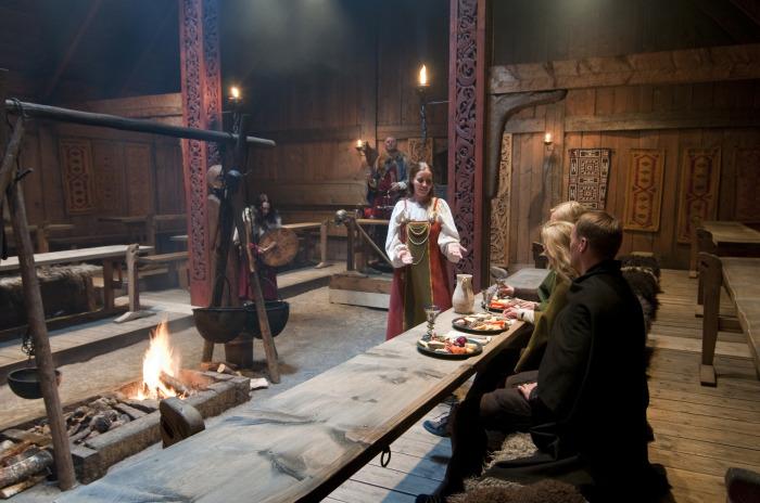 Лофотр – музей викингов в Борге: Пир у вождя викингов. \ Фото: insidenorway.me.