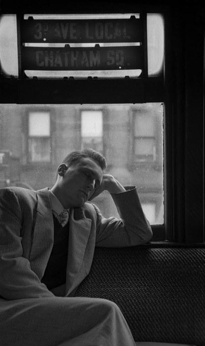Спящий мужчина, начало 1950-х. Автор: Vivian Cherry.