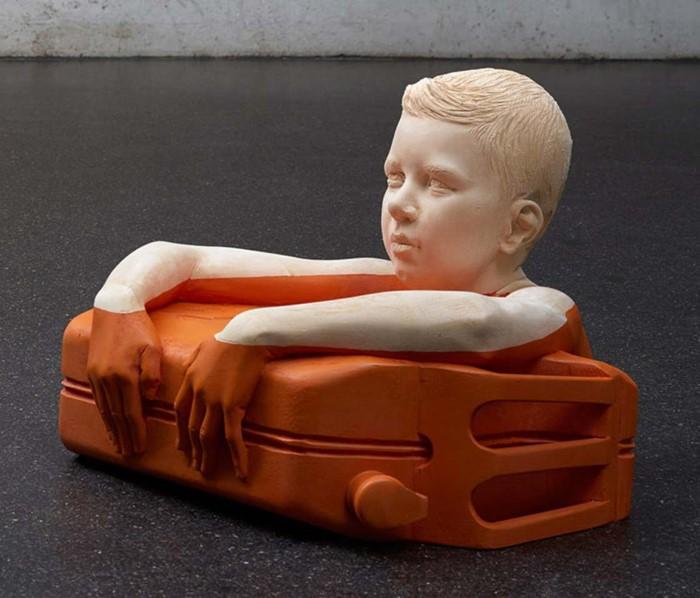 Спички детям не игрушка! Бензин. Автор: Willy Verginer.