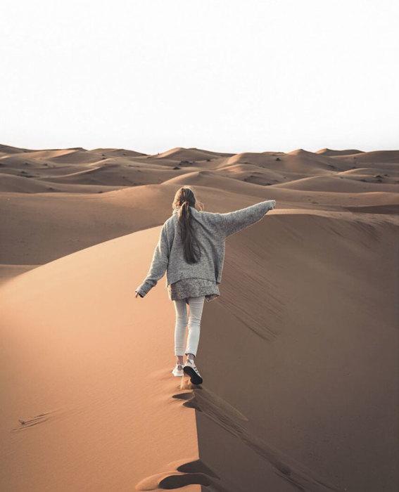 Прогулка по дюнам. Автор: Witold Ziomek.