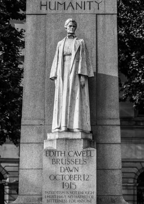 Памятник Эдит Кавелл.
