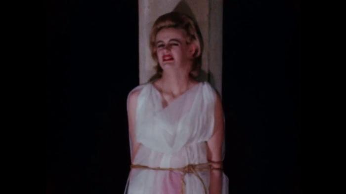 Кадр из фильма Манос: Руки судьбы. \ Фото: youtube.com.
