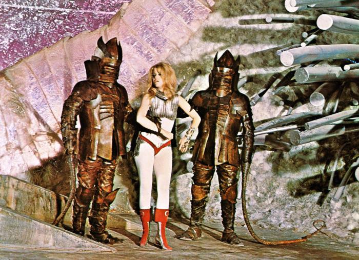 Кадр из фильма Барбарелла. \ Фото: yaokino.ru.