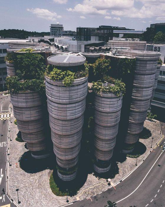 Футуристический Сингапур. Автор: Yik Keat Lee.