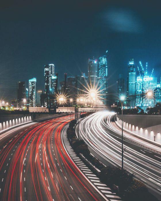 Ночные дороги. Автор: Yik Keat Lee.