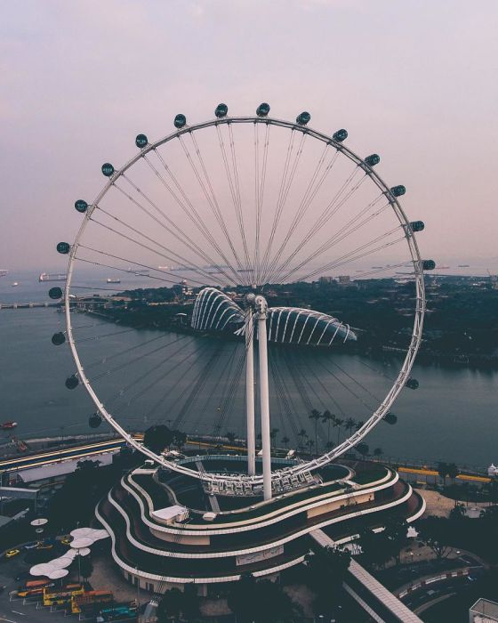 Самое высокое колесо обозрения в мире. Автор: Yik Keat Lee.