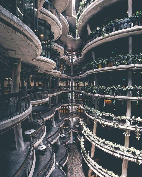 Постройки в Сингапуре частенько напоминают кадры из фантастических фильмов. Автор: Yik Keat Lee.