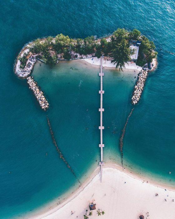 Острова с лазурными водами. Автор: Yik Keat Lee.