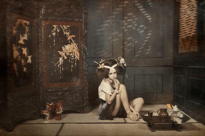 Современная гейша. Автор: Yoram Roth.