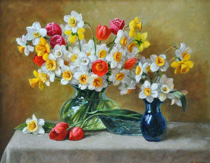 Нарциссы и тюльпаны. Автор: Юрий Кудрин.
