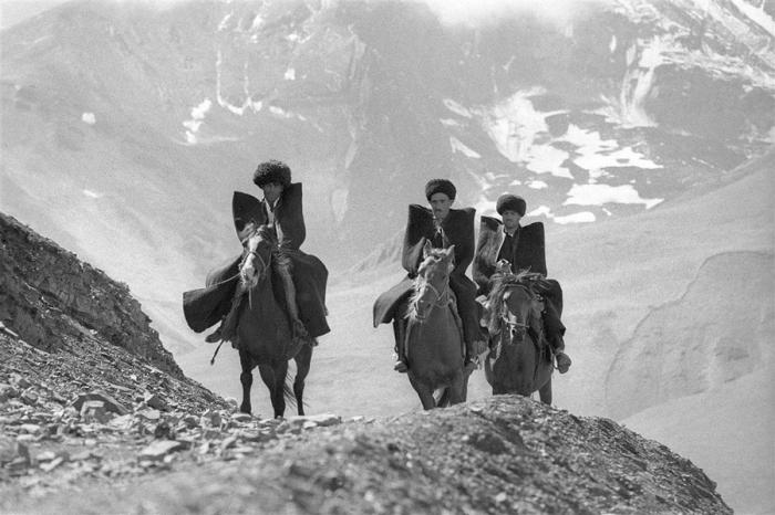 Джигиты, Дагестан, 1968 год. Автор: Юрий Абрамочкин.