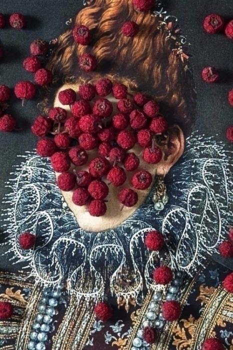 Органические красные точки. Автор: Zeren Badar.