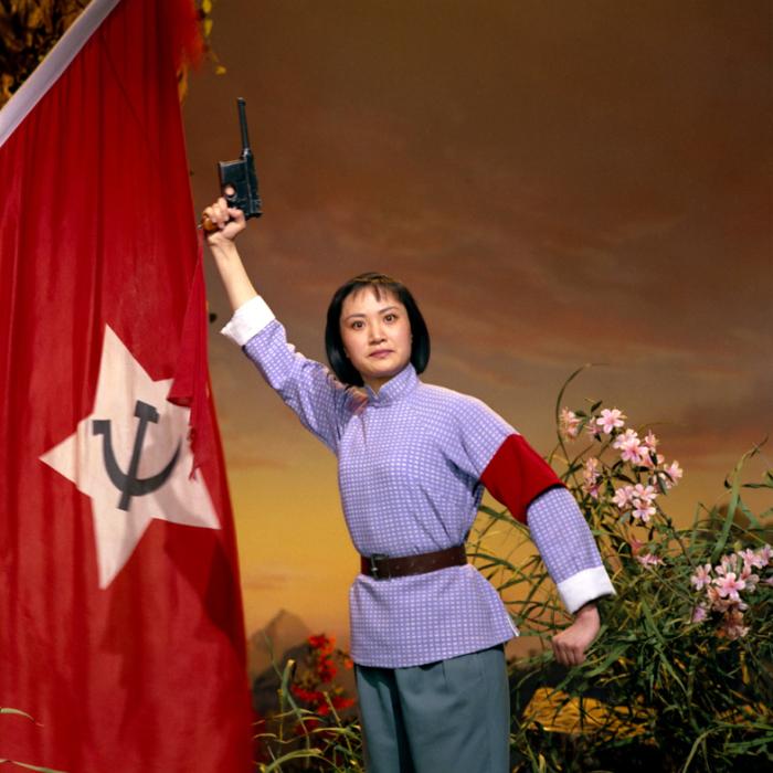2013 г. Выставка в галерее Presentation House в Ванкувере. № 2. Опера «Гора Азалия», 1974 год. Автор фото: Zhang Yaxin.