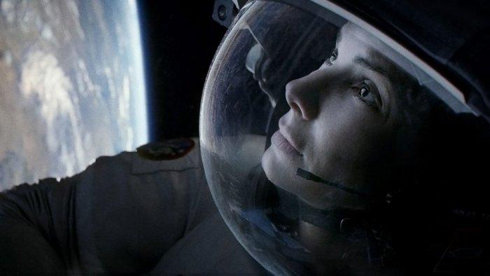 Кадр из фильма Гравитация.