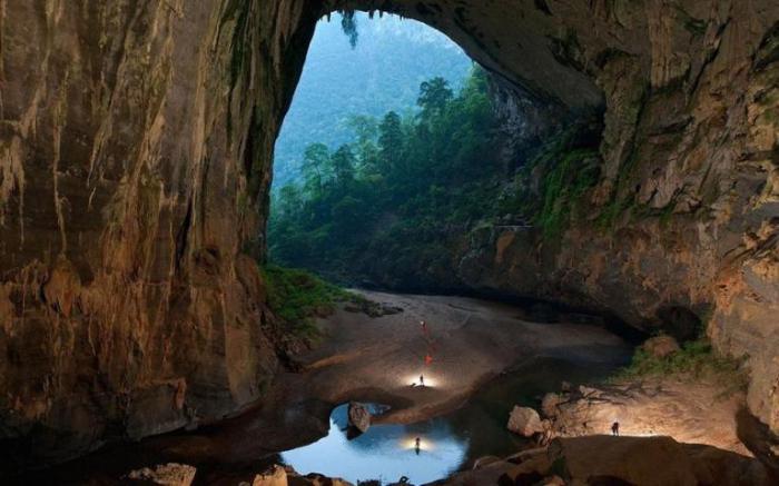 Самая крупная в мире пещера Хан Сон Дунг. Вьетнам.
