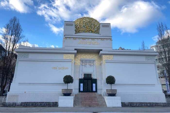Здание Сецессии, Йозеф Мария Ольбрих, 1897-98 гг. \ Фото: vk.com.