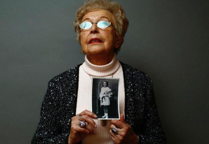 Янину Реклайтис (Janina Reklajtis) отправили в лагерь вместе с матерью. Обе выжили и были освобождены.