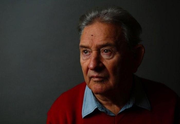 Богдан Бартниковски (Bogdan Bartnikowski). После освобождения ему удалось стать успешным журналистом и пилотом.