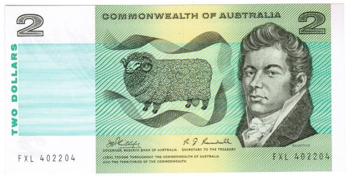 Джон Макартур изображён на двухдолларовой банкноте 1966-1988 годов.