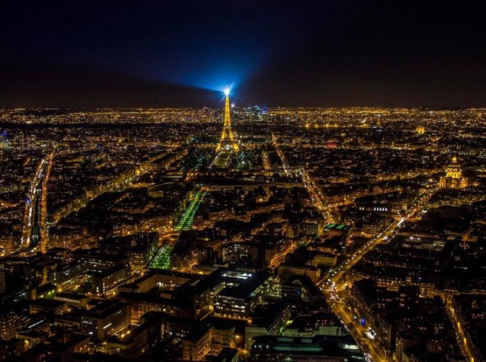 Ночной Париж, Франция.