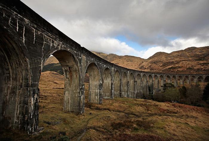 Мост. Виадук Гленфиннан, Шотландия.