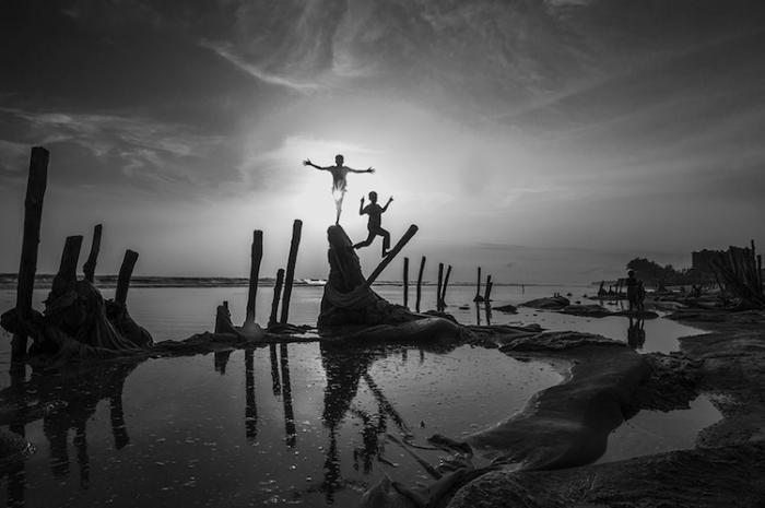 Дети на побережье Индийского океана. Автор: Guomiao Zhou, Китай.