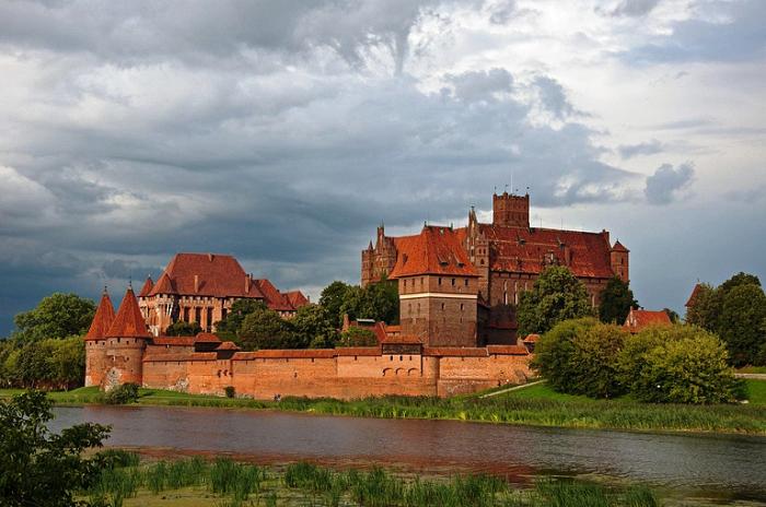 Замок Мальборк, Польша.