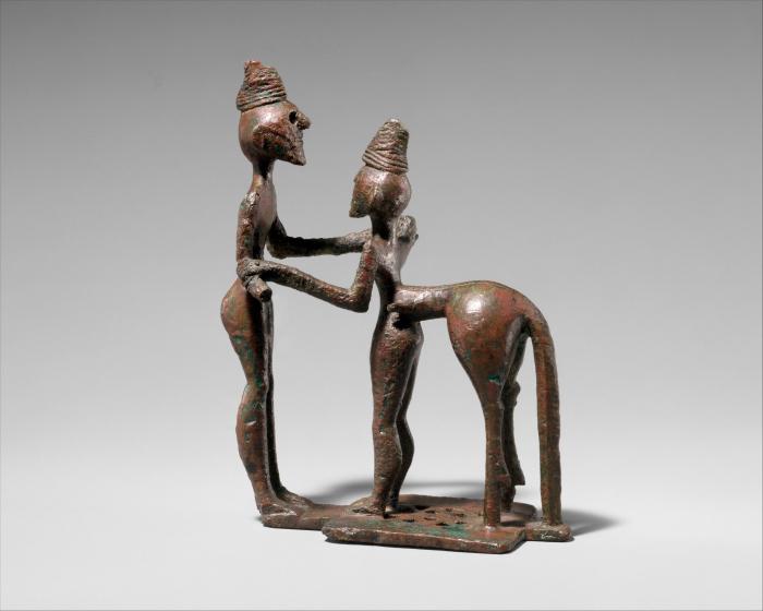 Бронзовый человек и кентавр, середина VIII века до нашей эры. \ Фото: archive.org.