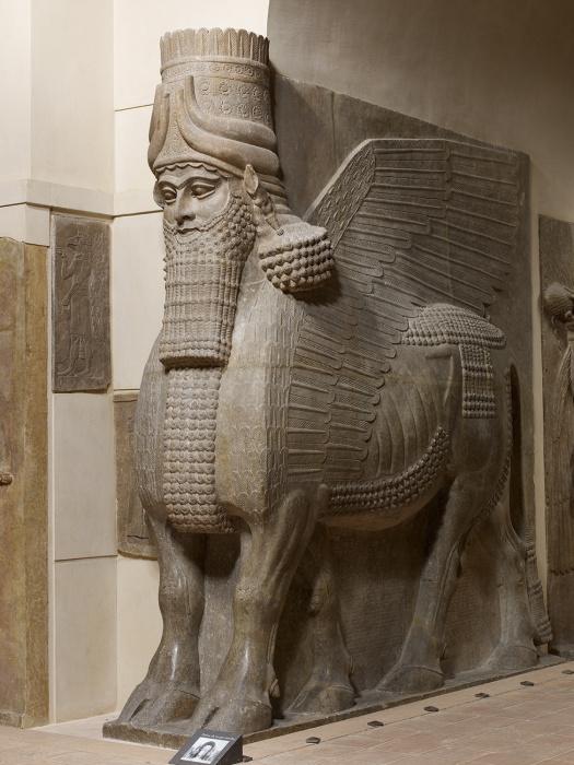 Неоассирийские крылатые быки с человеческими головами, 721-705 до н. э. \ Фото: api-www.louvre.fr.