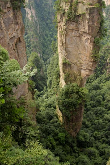 Летающие горы с планеты Пандора.