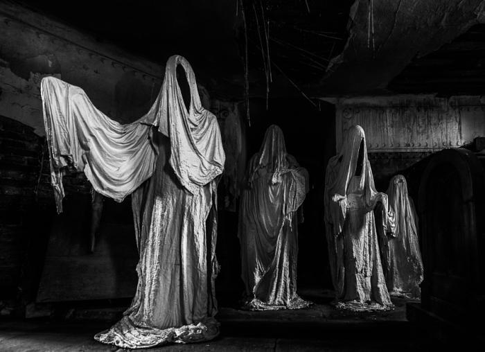 Духи церкви. Автор фото: Соня Лотнер.