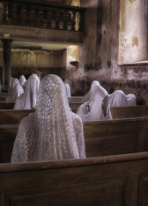 Церковные призраки. Автор фото: Анника Хейзиг.