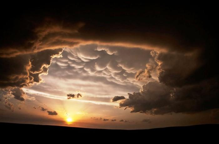 Невероятной красоты облака.