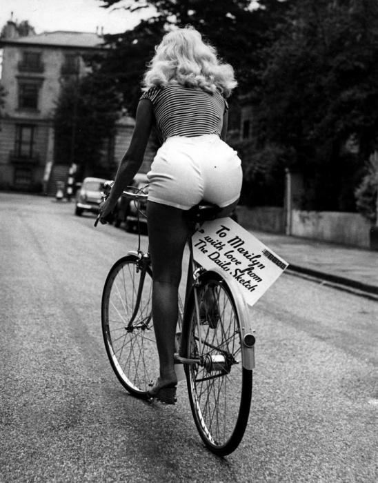 Мэрилин Монро после пресс-конференции, 1956 год, Лондон.