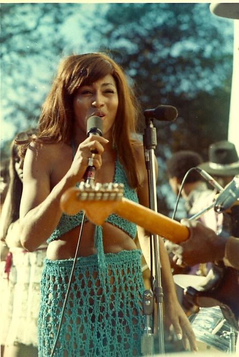 Тина Тернер на фестивале Gold Rush, 4 октября 1969 года, озеро Амадор, Калифорния.