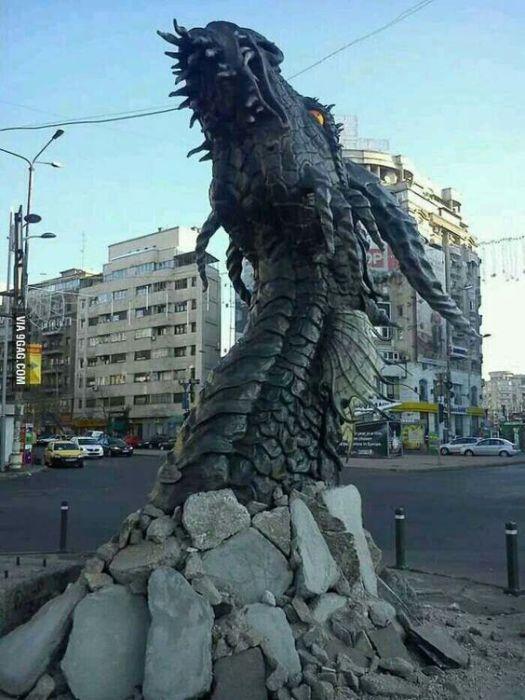 Промо кампания фильма The Hobbit The Desolation Of Smaug в Румынии.