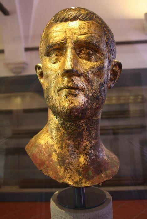 Бюст римского императора, вероятно, Аврелиана, ок. 275 г. н. э. \ Фото: it.m.wikipedia.org.
