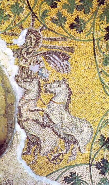 Христос как Бог Солнца, в гробнице Юлия в некрополе Ватикана, 3 век н. э. \ Фото: flickr.com.