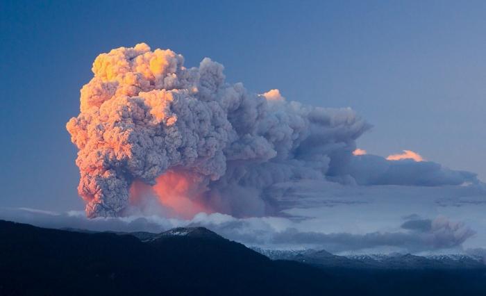 Извержение Каулле. Автор фото: Кристобаль Гуденшвагер.