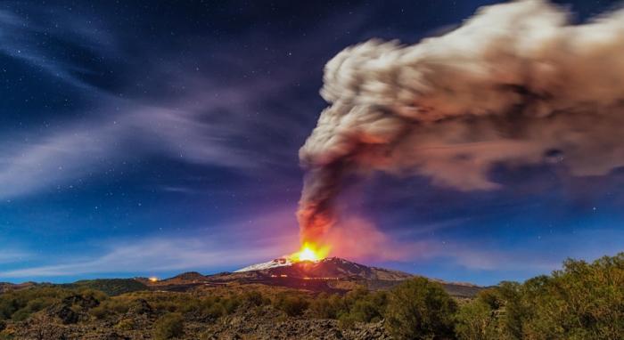 Панорама извержения вулкана Этна 17-11-2013. Автор фото: Мирко Кессари.