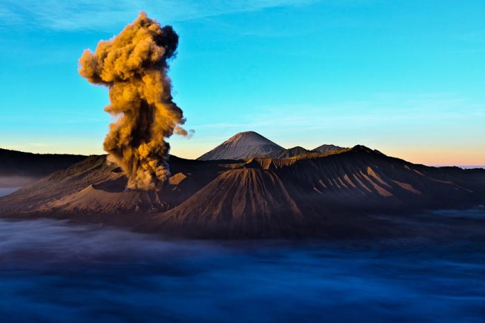 Извержение горы Бромо. Автор фото: Zihe Yap.