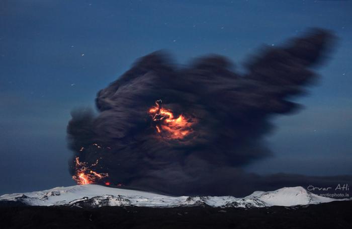 Грозное извержение. Автор фото: Орвар Атли.