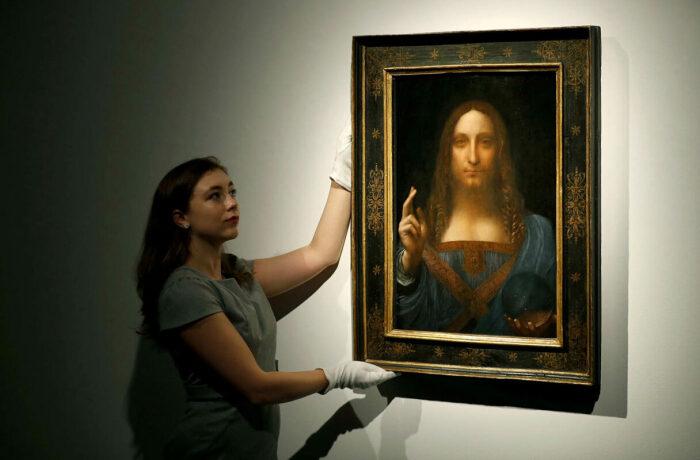 Картина Леонардо да Винчи Сальватор Мунди, выставленная на аукционе Christie's, хранилась в Свободном порту Женевы. \ Фото: gazeta.ru.