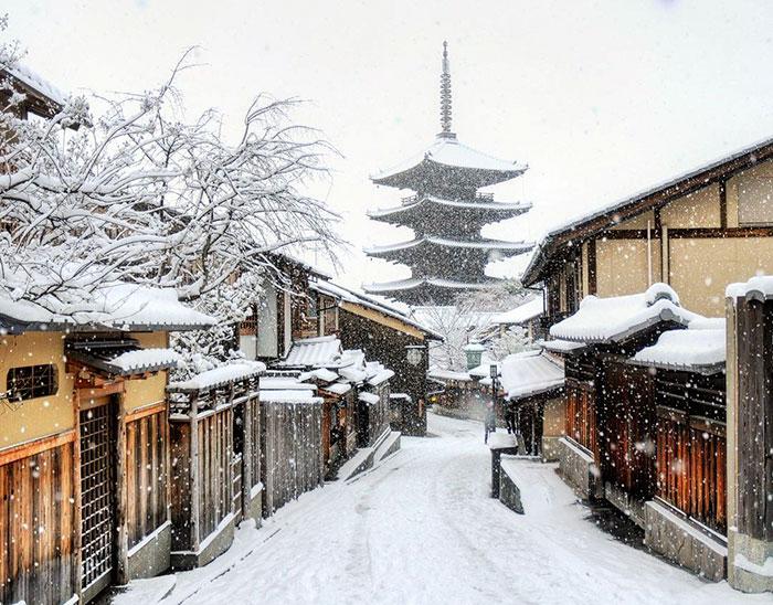 Заснеженный Киото.