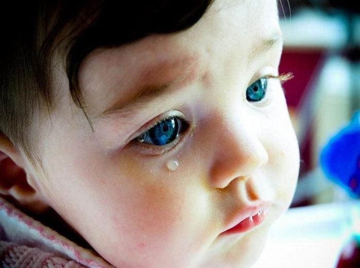 Первые слезы.