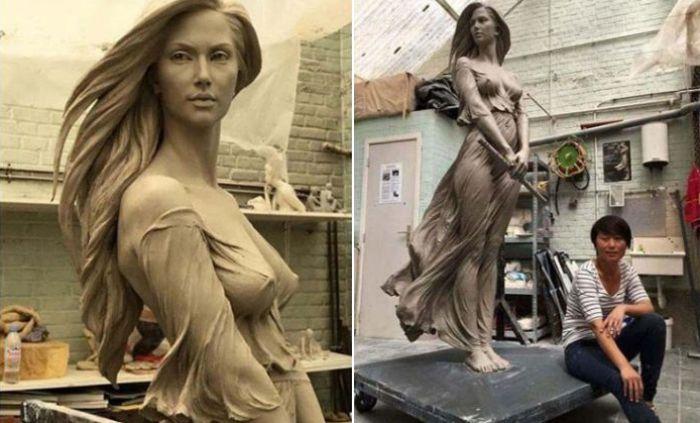 Эта потрясающая статуя девушки в натуральную величину великолепно подчеркивает всю красоту женского тела. Автор: Luo Li Rong.