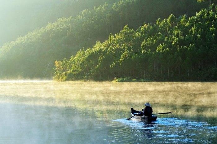 Ранним утром на реке. Автор: Ly Hoang Long.
